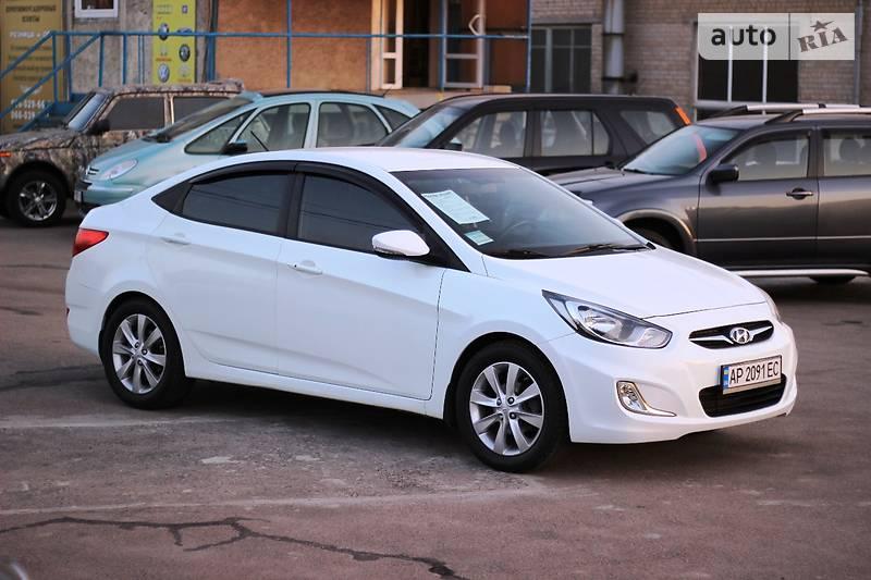 Hyundai Accent 2011 року