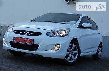 Hyundai Accent 1.6i//FULL V IDEALE/ 2012