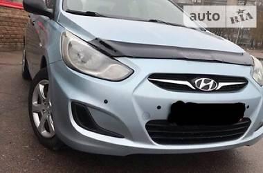 Hyundai Accent NEW 2011