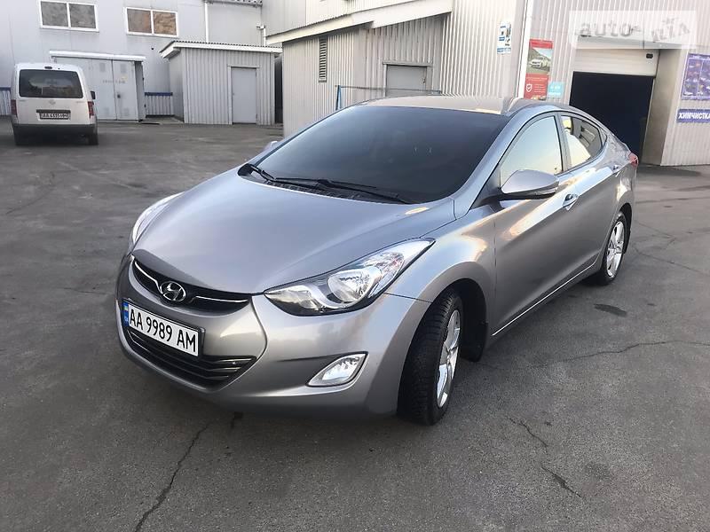 Hyundai Elantra 2012 року