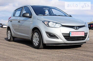 Hyundai i20 Official 2013