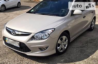 Hyundai i30  1.6 DOHC 2011