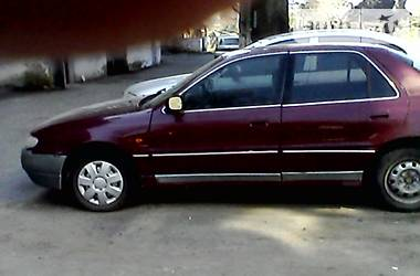 Hyundai Lantra  1994