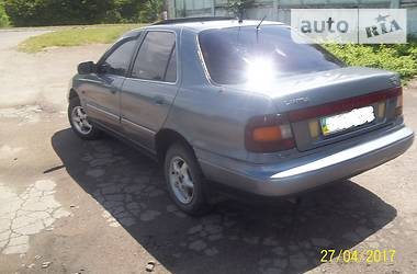 Hyundai Lantra  1992
