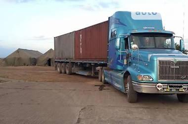 International 9200  2001