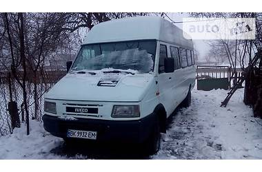 Iveco Daily пасс. 35-12 1997