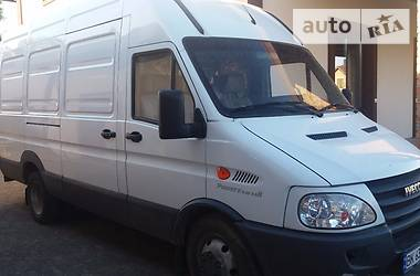 Iveco TurboDaily груз. 42.12 2011