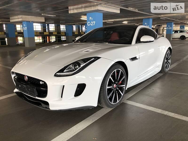 Купе Jaguar F-Type