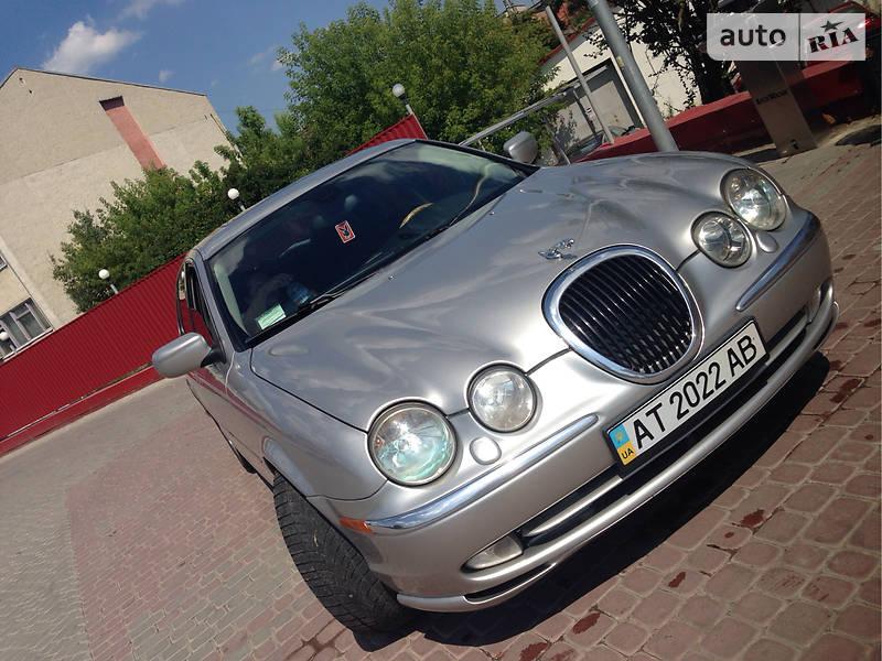 Jaguar S-Type 2000 года