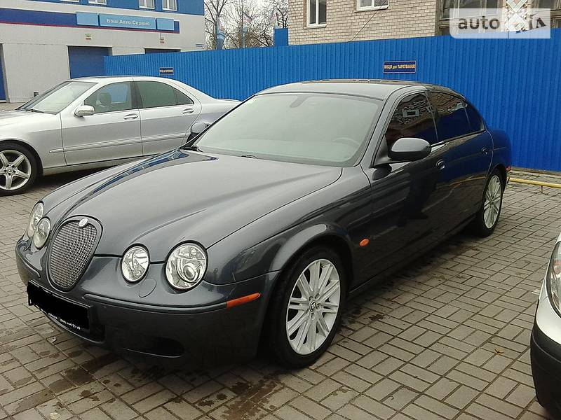 Jaguar S-Type 2007 року
