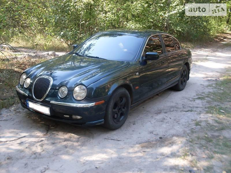 Jaguar X-Type 2000 года