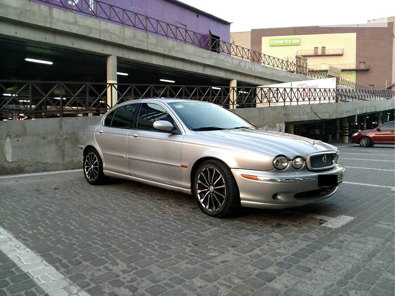 Jaguar X-Type 2001 года