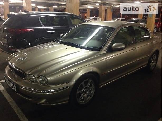 Jaguar X-Type 2002 года