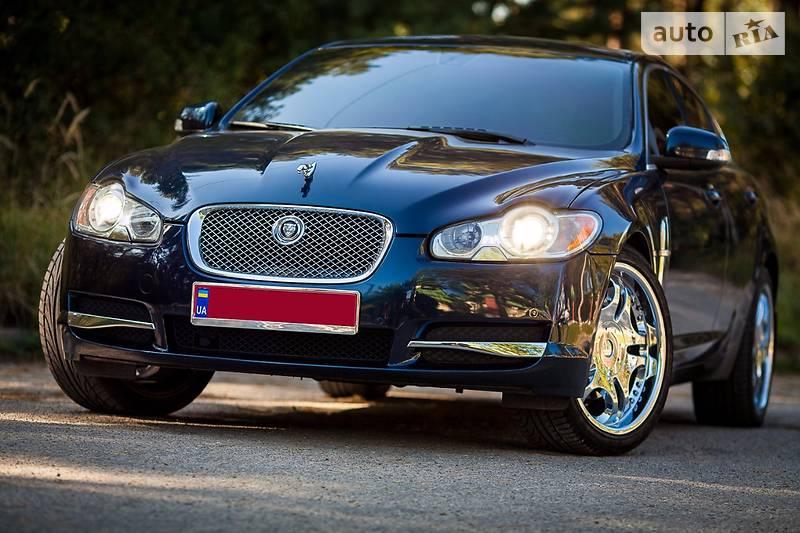 Jaguar XF 2008 року