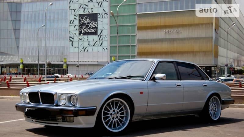 Jaguar XJ6 1992 року