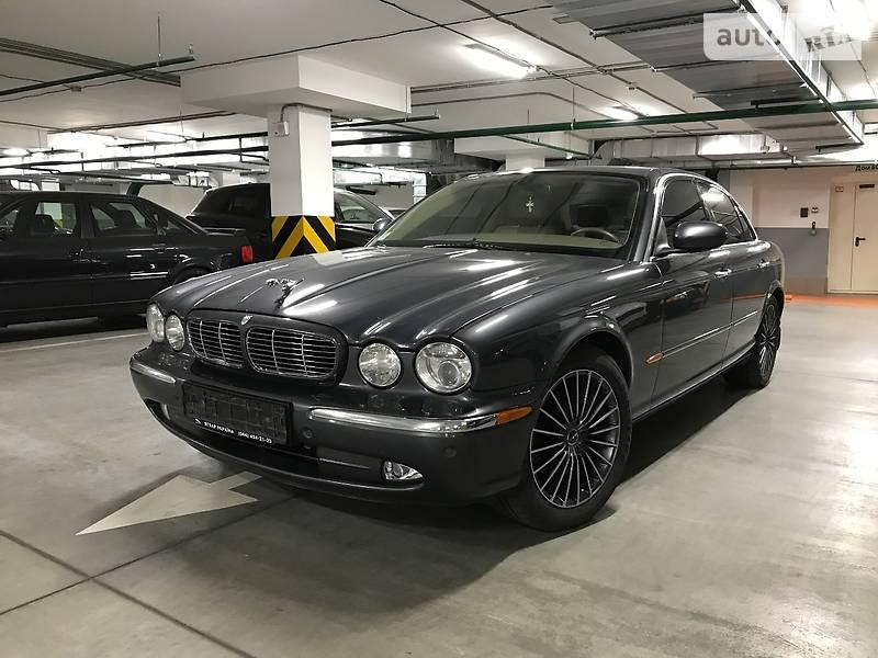 Jaguar XJ8 2006 року