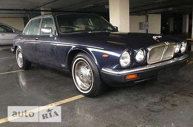 Jaguar XJ  1990
