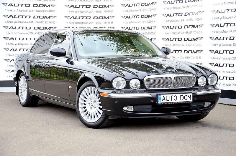 Jaguar XJ 2006 року