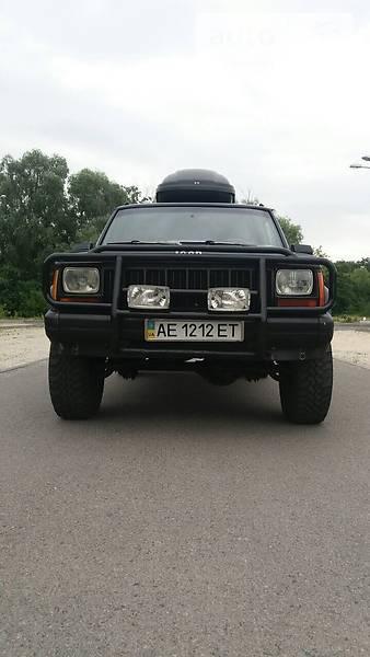 Jeep Cherokee 1992 года