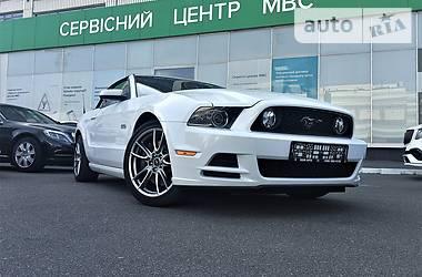 Характеристики Ford Mustang Кабріолет