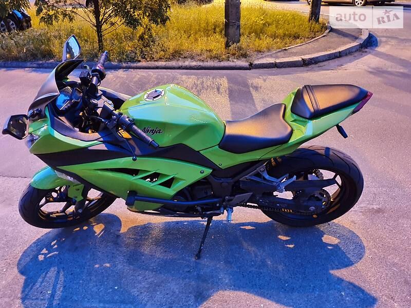 Kawasaki EX 300