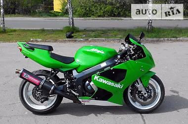 Kawasaki ZXR zx7r 2000
