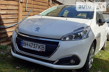 Характеристики Peugeot 208 Хэтчбек