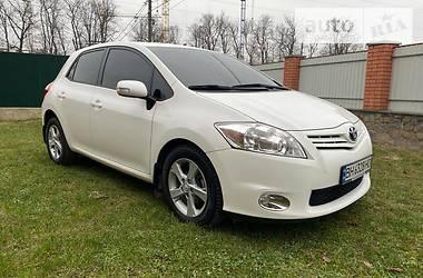 Характеристики Toyota Auris Хэтчбек