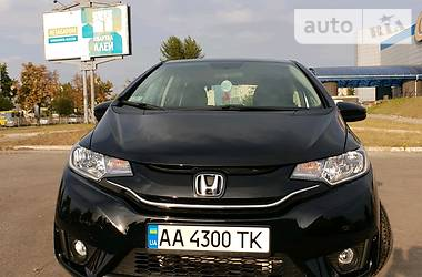 Характеристики Honda FIT Хэтчбек