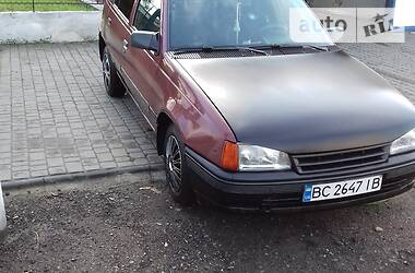 Характеристики Opel Kadett Хэтчбек