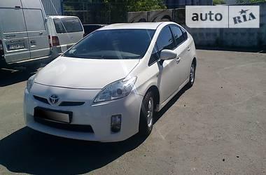 Характеристики Toyota Prius Хэтчбек