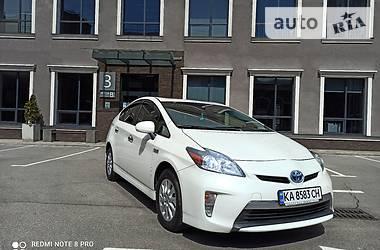 Характеристики Toyota Prius Хетчбек