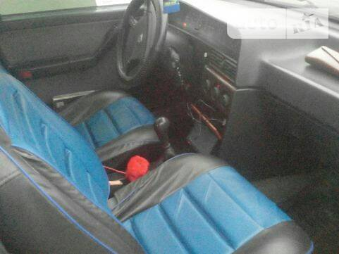 Lancia Dedra 1990 року