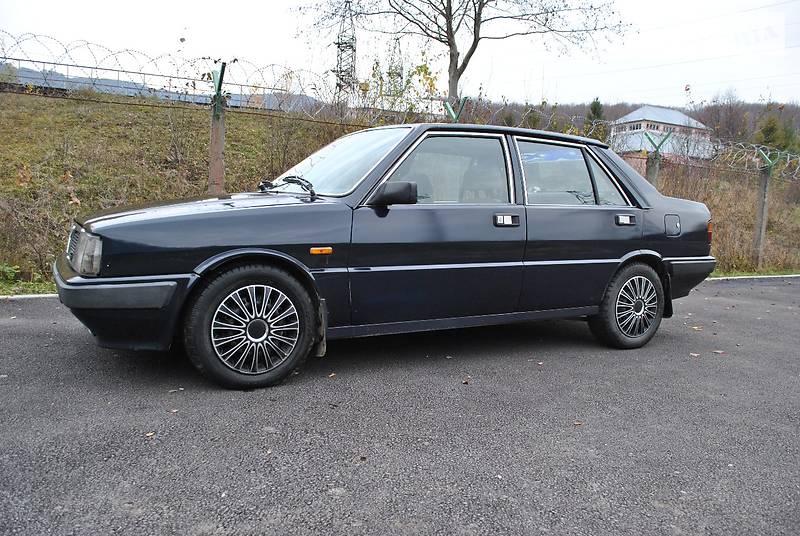 Lancia Prisma 1986 року