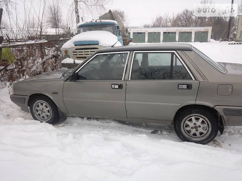 Lancia Prisma 1990 года