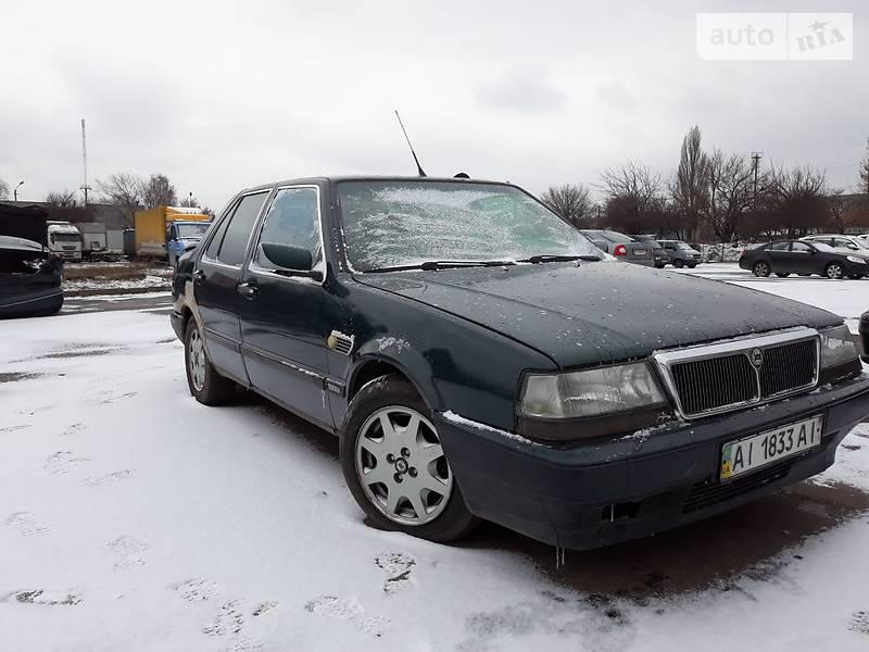 Lancia Thema 1990 року