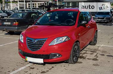 Lancia Ypsilon Gold 2012