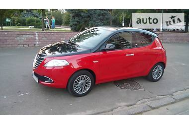 Lancia Ypsilon 0.9 Twin Air Turbo 2012