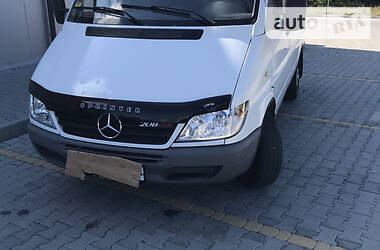 Характеристики Mercedes-Benz Sprinter 208 груз. Легковой фургон (до 1,5 т)