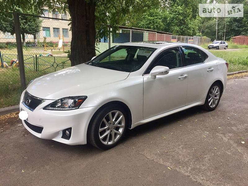 Lexus IS 2012 года