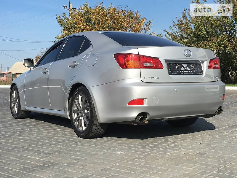 Lexus IS 2008 року
