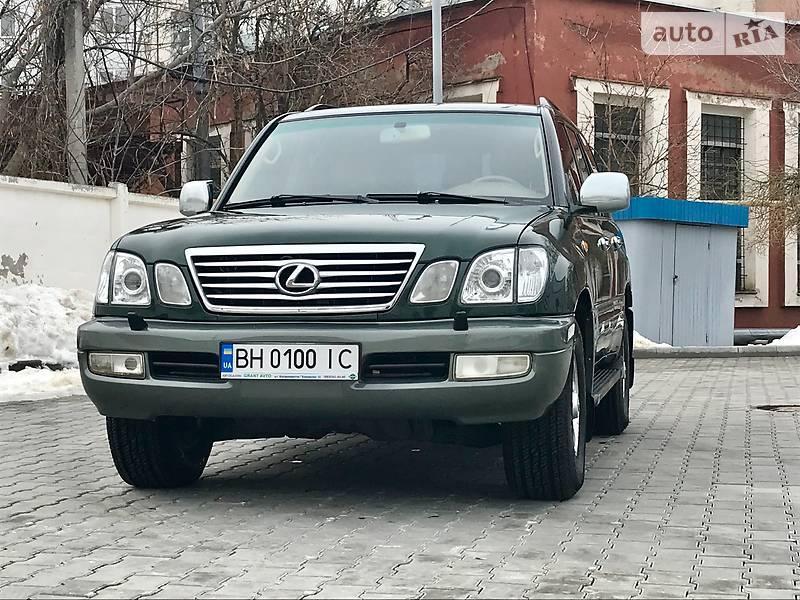 Lexus LX 2000 року