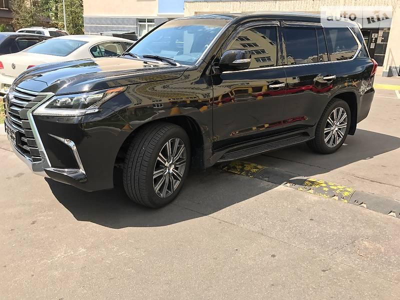 Lexus LX 2017 года