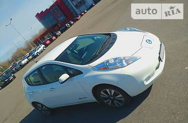 Характеристики Nissan Leaf Ліфтбек