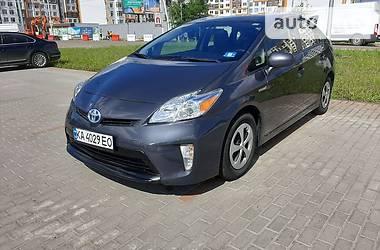 Характеристики Toyota Prius Ліфтбек
