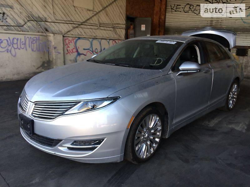 Lincoln MKZ 2014 року