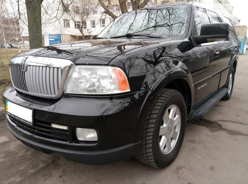 Lincoln Navigator 2005 року