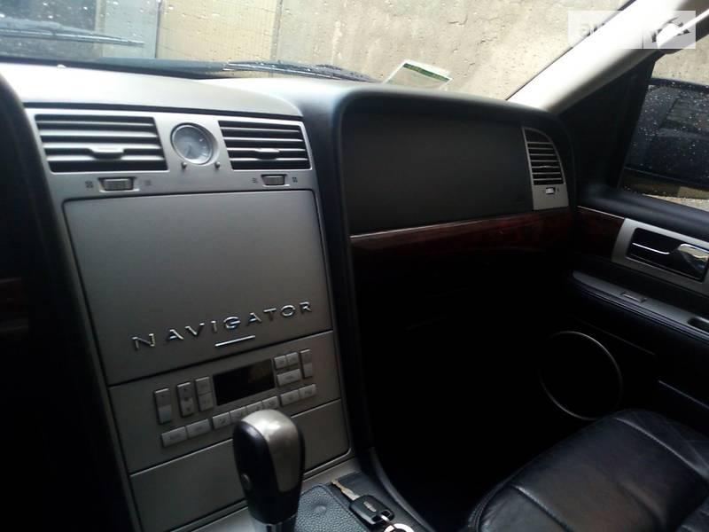 Lincoln Navigator 2004 года