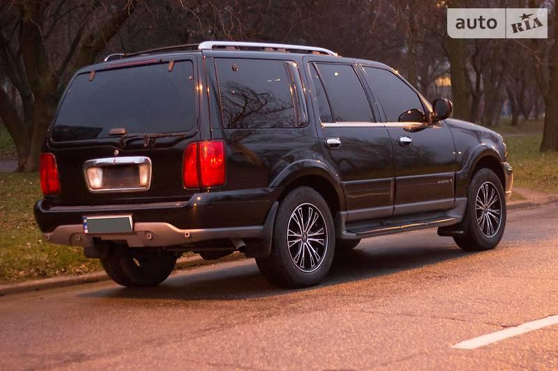 Lincoln Navigator 2000 року