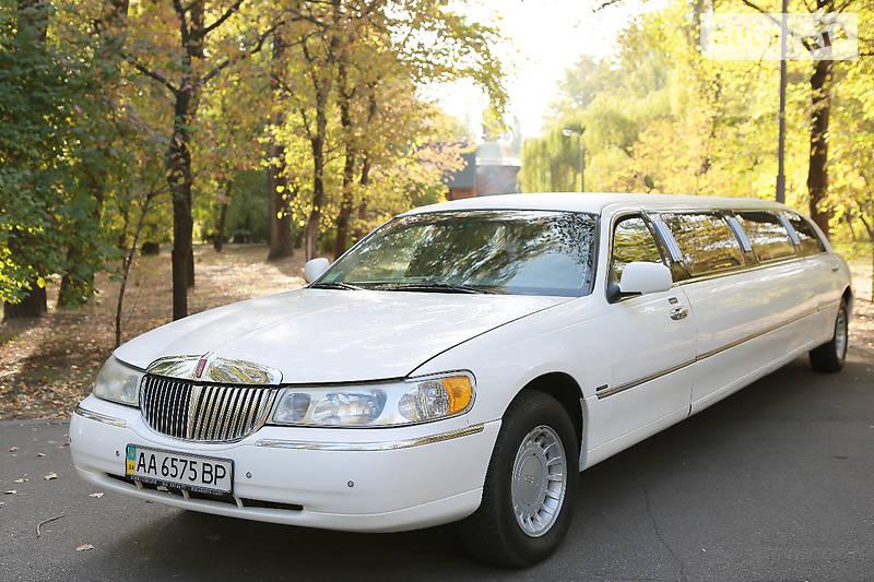 Lincoln Town Car 1999 года